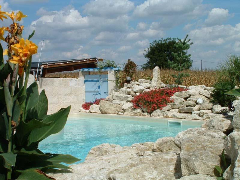 paysage-17.pagespro-orange.fr/images/pscine63PT